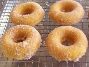 pumpkin-donuts2